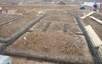 Какой фундамент возводить на просадочных грунтах?